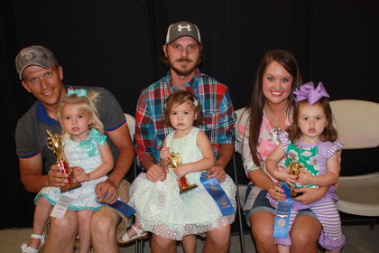Rylee Lynn Barnett, daughter of Lane and Britni Barnett of Dunnville, was the winner of the 19-23 month girls category. Remington Sage Dawson, daughter of Josh and Tiff any Dawson of Liberty, was first runner-up. Second runner-up was Paisley Anne Carrigan, daughter of Brian and Laura Carrigan of Eubank.