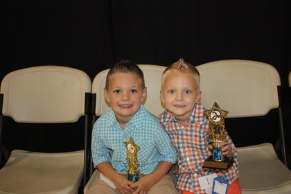Vander Jaycob Dean Roosa, son of Jeremy and Ronika Roosa of Nancy, was the winner of the 4-year-old boys category. Teegan Dwight Mullins, son of D.J. and Lucinda Mullins of Waynesburg, was fi rst runner-up.